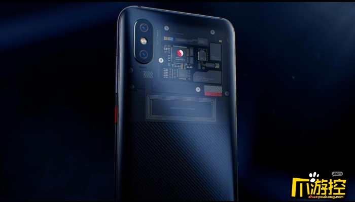 """除此之外,小米8透明探索版还宣称是安卓支持首款""""Face ID""""手机。""""Face ID""""是基于结构光技术的人脸3D识别系统,在小米8的红外人脸识别方案基础上,加入了点阵投影器以获得人脸3D深度信息,相比2D信息的认证技术更加安全。   核心方面,小米8探索版依旧是搭载高通骁龙845移动平台,只有8GB+128GB这一个内存组合版本,售价为3699元。"""