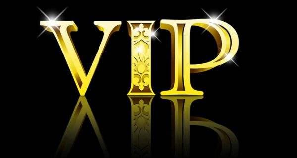 上线送vip15的卡牌手游