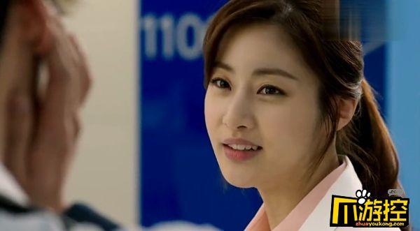 韩国演员姜素拉产女.jpg