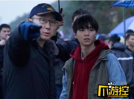 王俊凯独自一人现身北电开学报到 此前一直在闭关拍摄陆川新戏
