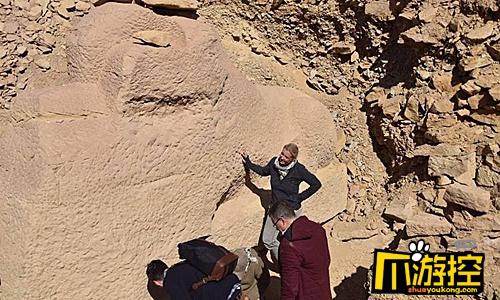 埃及出土狮身羊面像