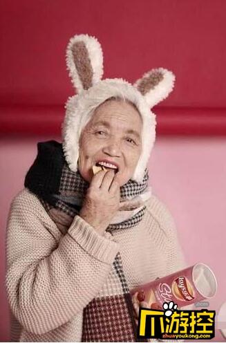 87岁外婆拍少女系写真 希望外婆永远少女心
