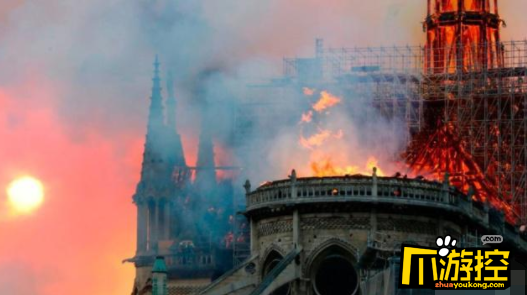 巴黎圣母院被烧了吗?800年人类文明在大火中坍塌