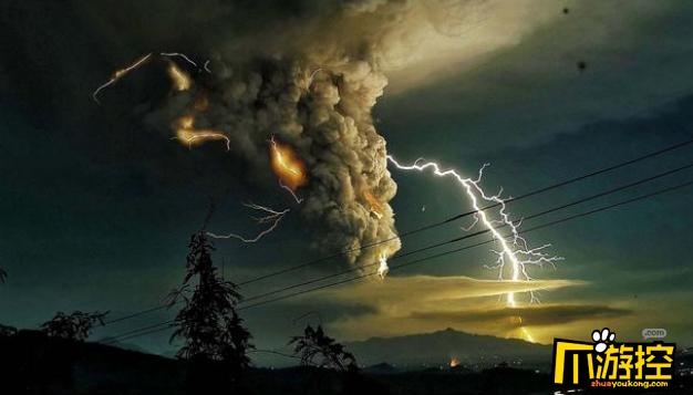 菲律宾火山喷发电闪雷鸣,遮天蔽日如灾难大片